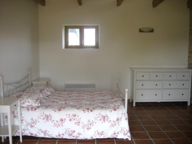 ROUSSERGUES SUD Annexe Bedroom 640