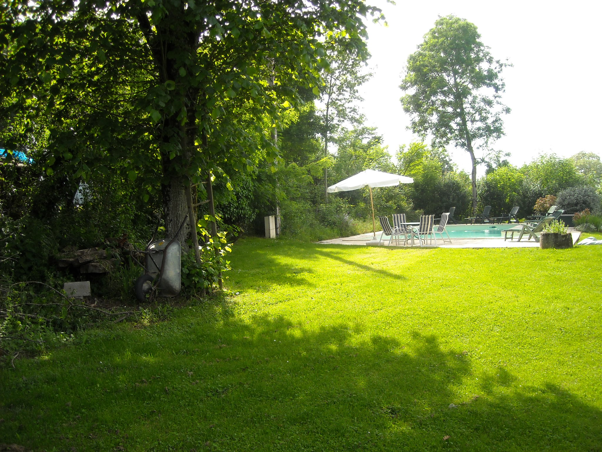 LA BARABIE Pool and Garden